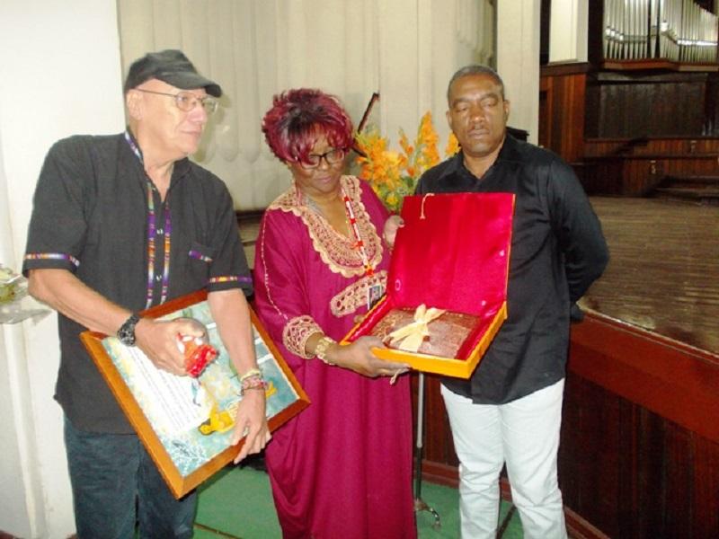 Honores para Santiago Álvarez en su centenario