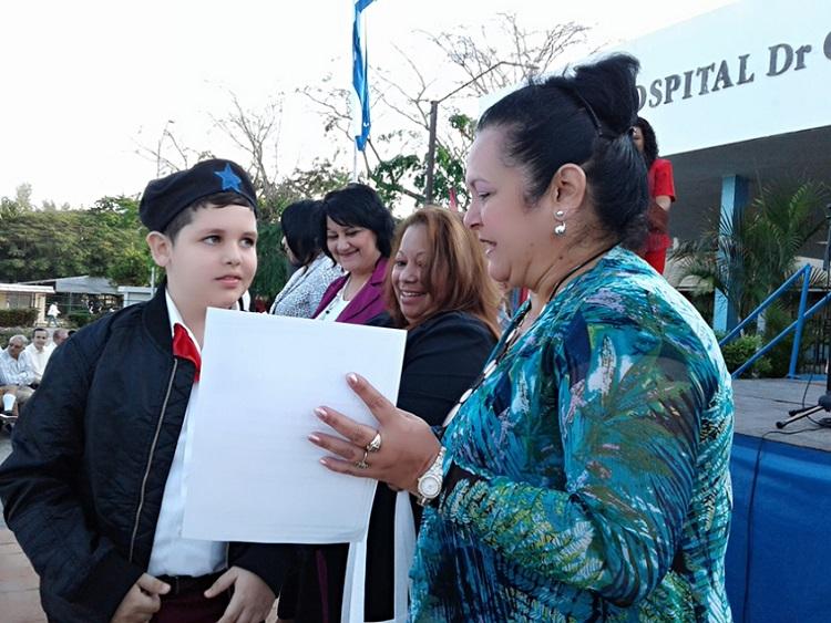 Festeja hospital cienfueguero 40 años de inaugurado por Fidel