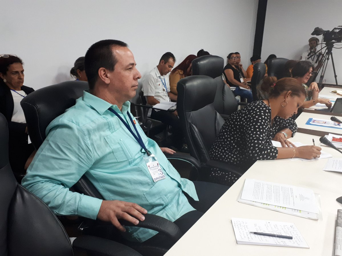 Llama ministro de Salud Pública a la detección temprana del cáncer cérvicouterino