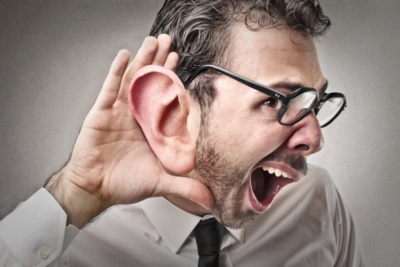 ¿Oímos o escuchamos?