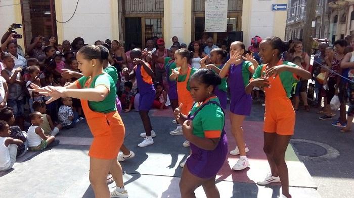 El baile, una actividad saludable y divertida
