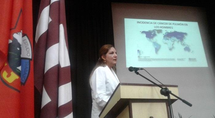 Sesiona en Las Tunas II Evento Científico Nacional Oncofórum 2019