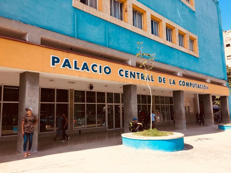 En La Habana, Acto Nacional de los Joven Club de Computación y Electrónica