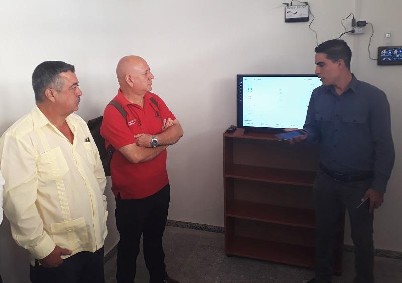 Inauguran en La Habana nuevo parque fotovoltaico
