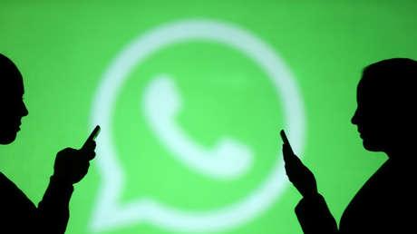 ¿Cómo volverse invisible en WhatsApp?
