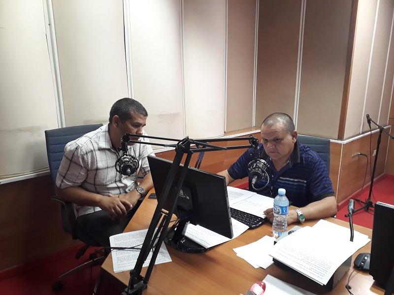 El Director de Servicentros, Lázaro Félix Ayala, y el gerente General de FINCIMEX, Yamil Hernández González, informaron a la audiencia de Rebelde las medidas implementadas
