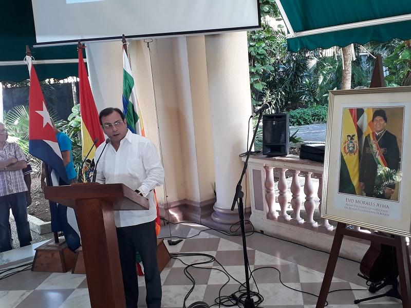 Desde Cuba solidaridad con Evo Morales