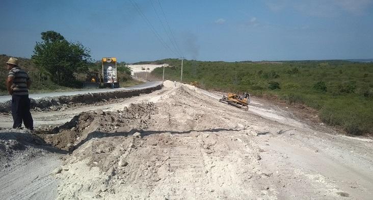 Amplían carretera del Circuito Sur en Cienfuegos