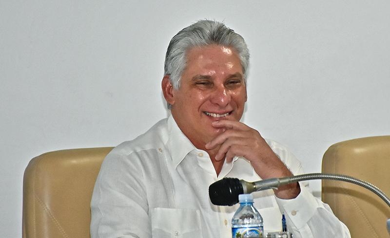 Díaz-Canel: Pensar como país es entregarnos a Cuba