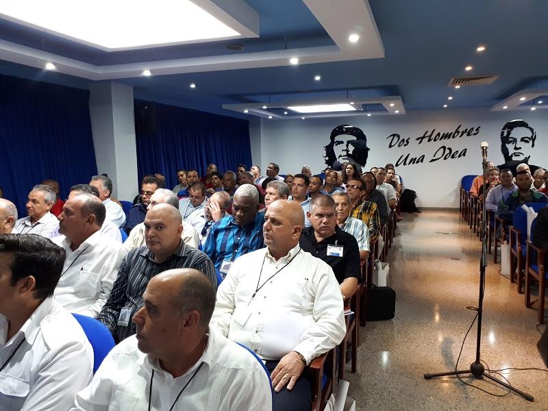 Díaz-Canel: el MITRANS es la columna vertebral de la sociedad cubana