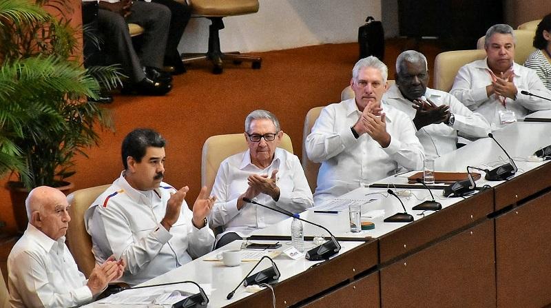 Asisten Raúl y Díaz-Canel a clausura del Encuentro Antimperialista