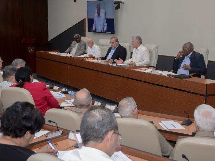 Primer Consejo de Ministros presidido por el Presidente de la República y dirigido por el Primer Ministro proyecta el trabajo de 2020