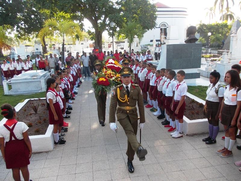Homenaje en Santiago de Cuba a Flor Crombet