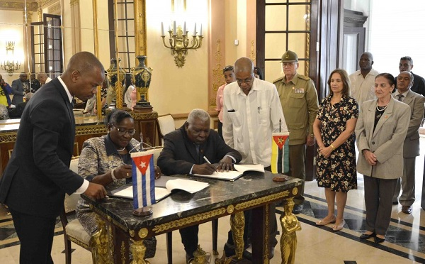 Parliamentarians from Cuba and Mozambique Sign Cooperation Agreement