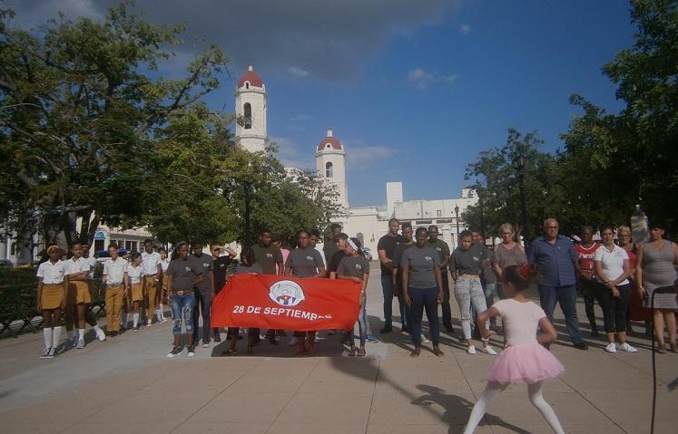 Alistados miles de jóvenes en destacamentos 60 Aniversario de los CDR