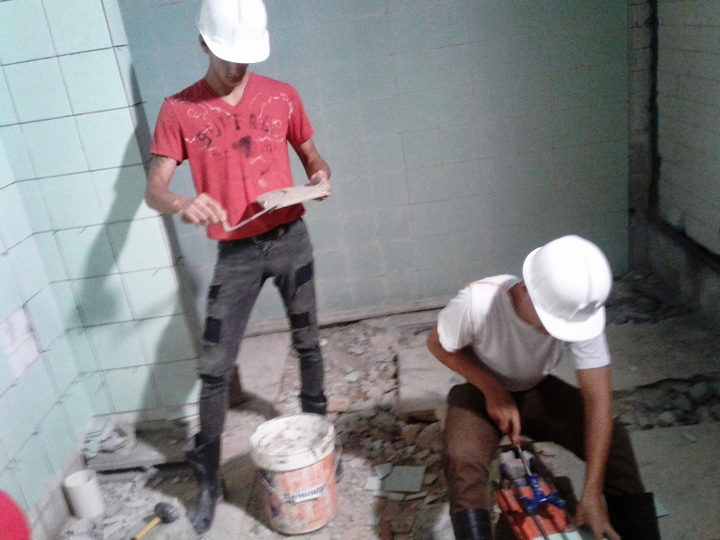 Saludan constructores de Mayabeque su día