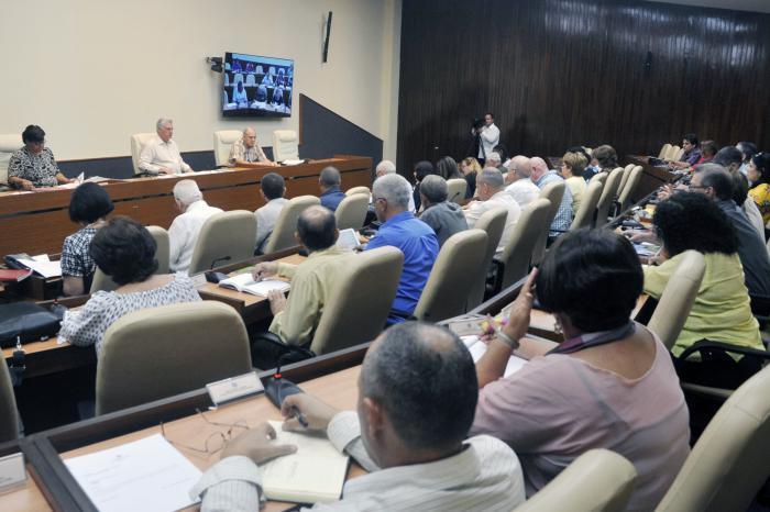 Presidente Díaz-Canel evaluó la Tarea Vida y el programa para la preservación de la memoria histórica