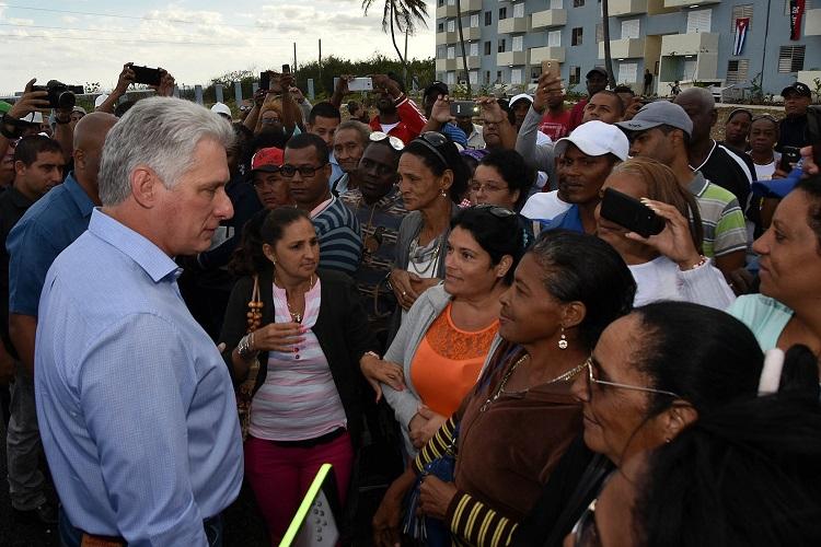 Entregan en La Habana casas a damnificados por tornado
