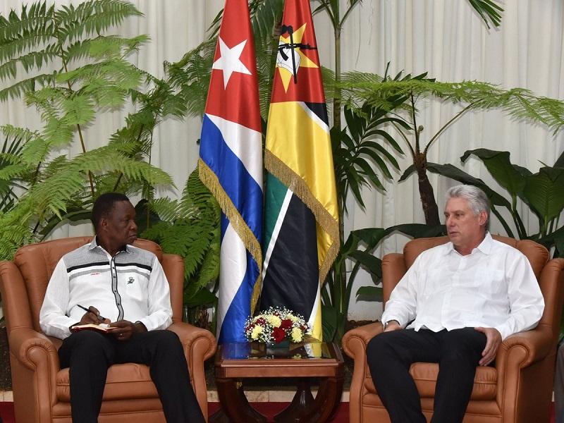 Díaz-Canel recibe al Secretario General del Frente para la Liberación de Mozambique