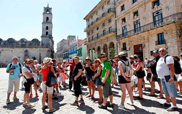 Arriba Cuba a los tres millones de visitantes internacionales