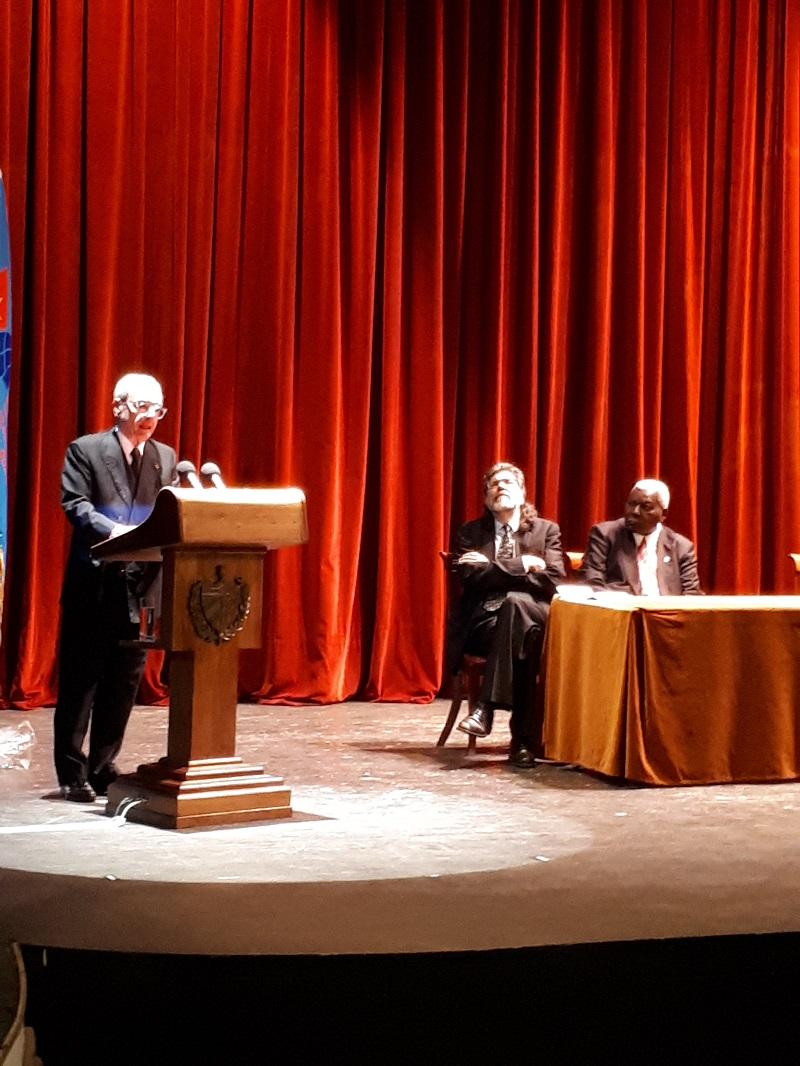 Recibe Leal Título Doctor Honoris Causa en Relaciones Internacionales