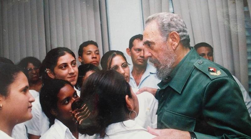 Celebran jóvenes cubanos día mundial de la juventud con la guía de Fidel