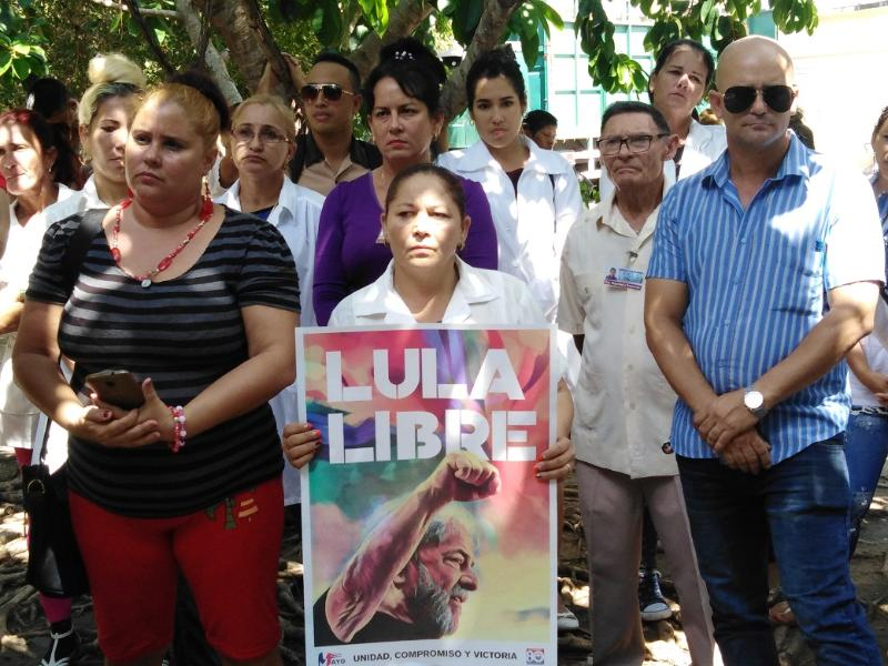 Exigen tuneros liberación inmediata de Lula