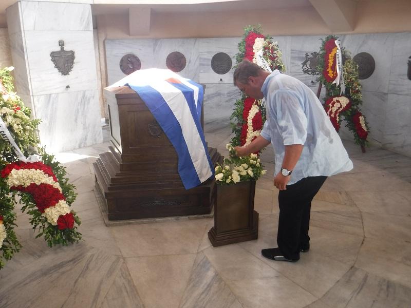 Homenaje de Raúl y Díaz-Canel a José Martí