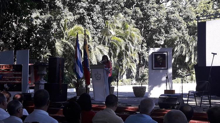 Un homenaje desde la palabra y el canto al Comandante Hugo Chávez