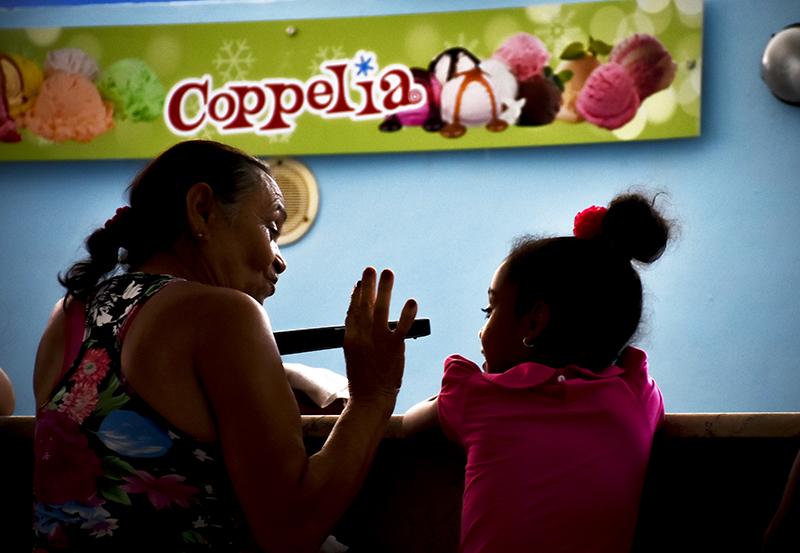 Coppelia: Vívelo saboreando el verano