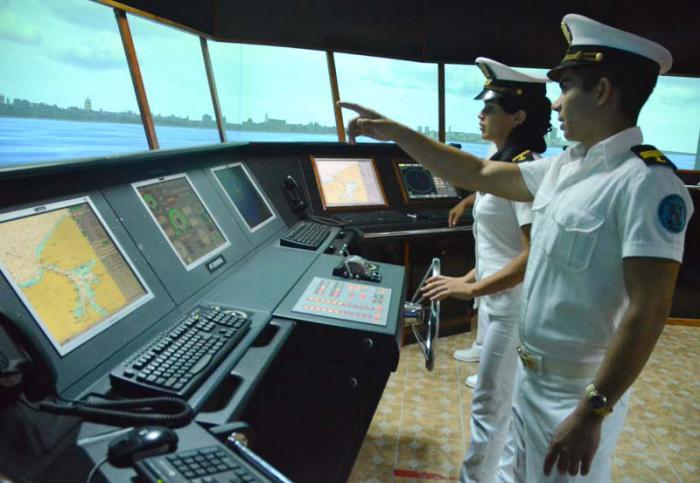 60 años preparando mujeres y hombres de mar