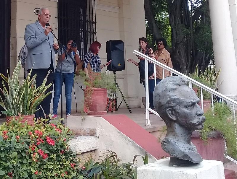"""""""No se ha atacado un busto, se ha atacado el alma de Cuba"""""""