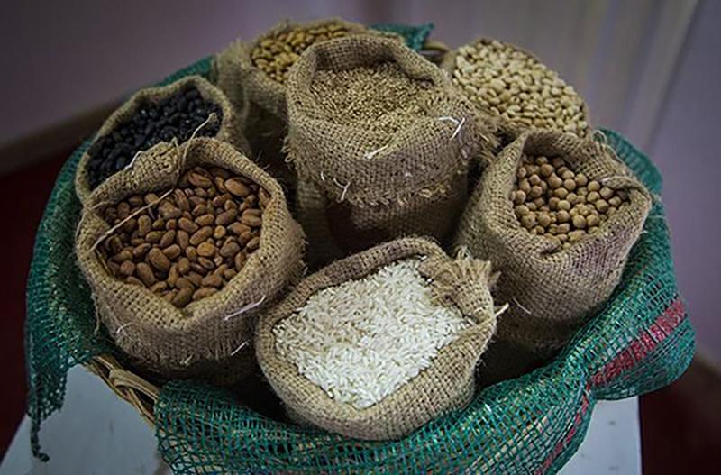 Implementa MINCIN medidas para distribución de productos básicos