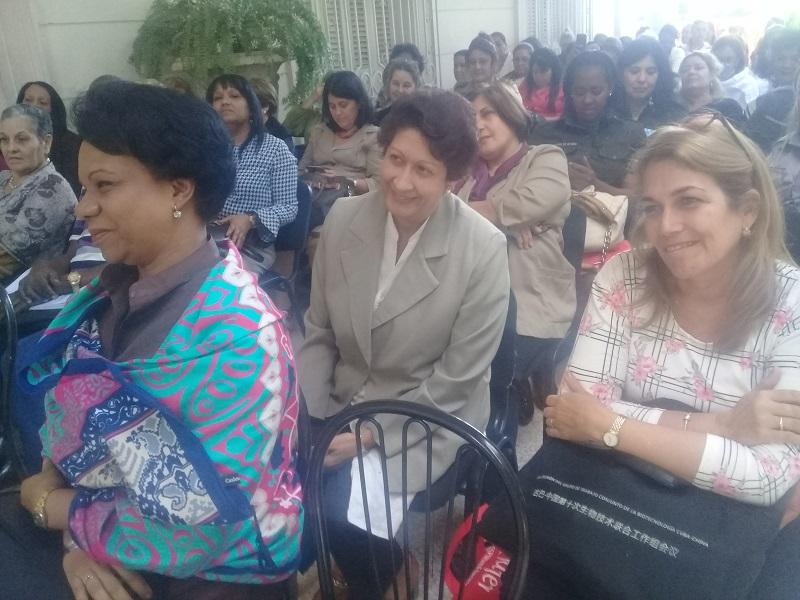 Mujeres directivas intercambian experiencias con el Secretariado Nacional de la FMC