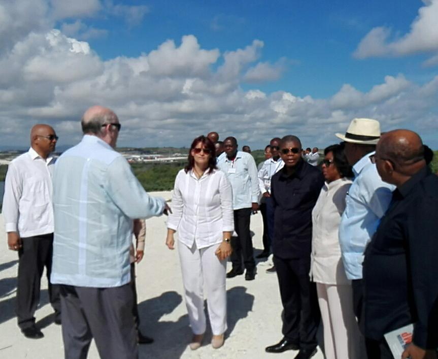 Recorre presidente de Angola Zona Especial de Desarrollo Mariel