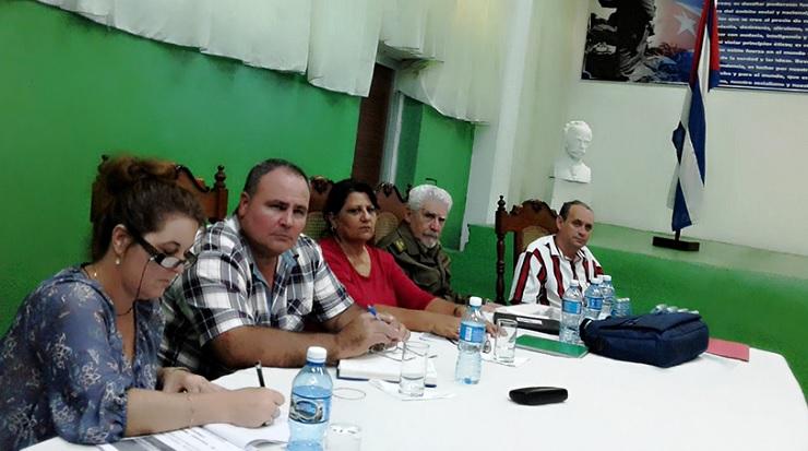 Constata Ramiro Valdés avances en industrias de Cienfuegos