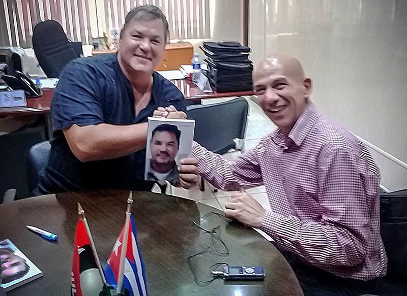 Presenta Ramón Labañino su diario de prisión y rinde homenaje a Fidel