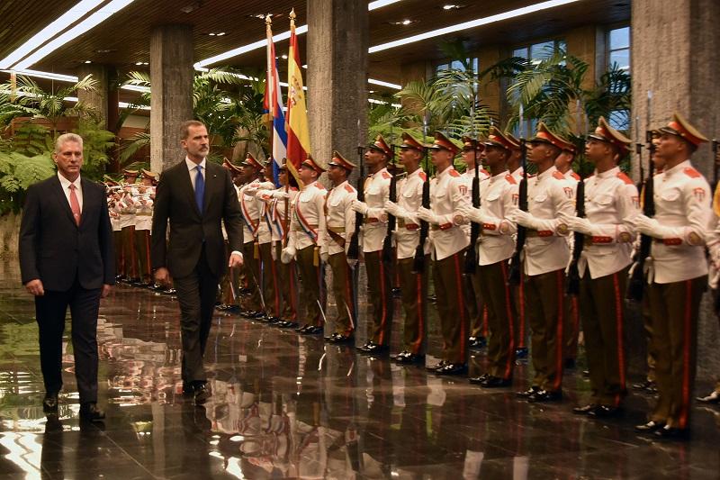 Recibe presidente Díaz-Canel a los Reyes de España