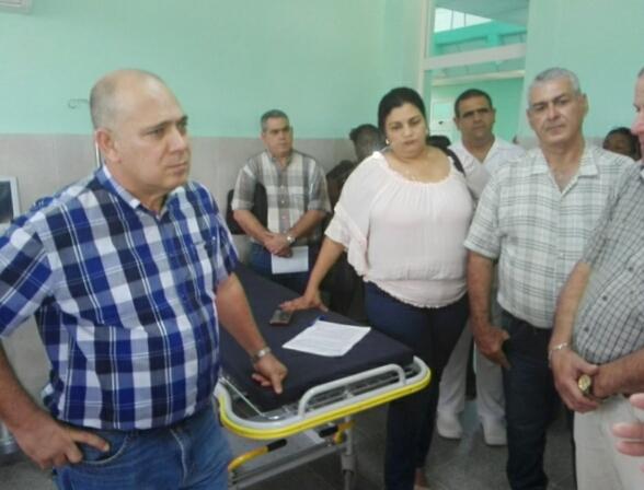Visita Roberto Morales centros educacionales y de salud en Artemisa