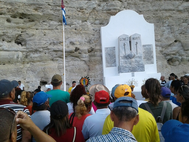Rememoran desembarco de José Martí en Playita de Cajobabo