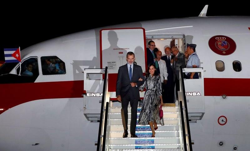 Arriban a Cuba sus Majestades Los Reyes de España