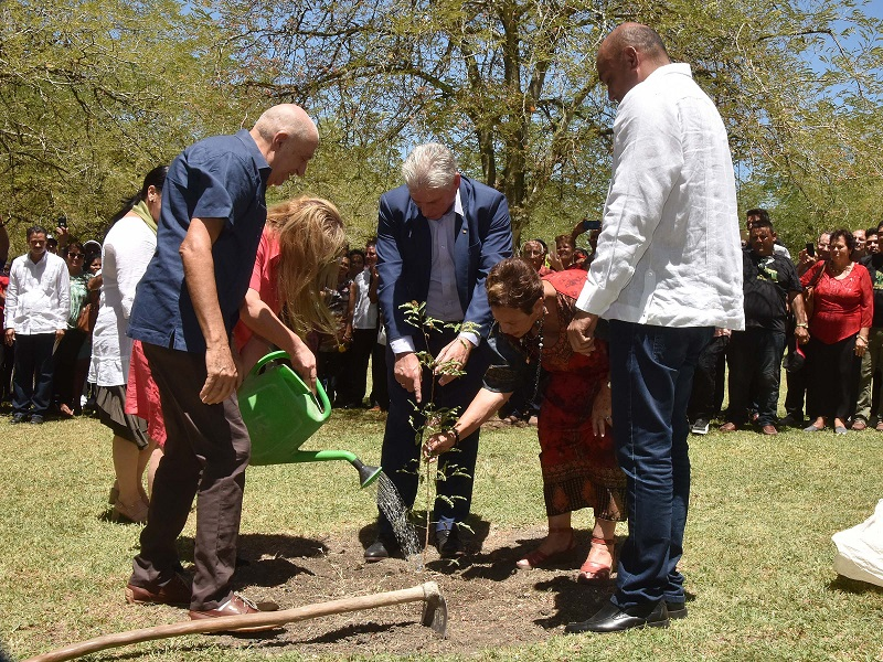 Cuba President Participates in Tree Planting to Honor Santa Clara