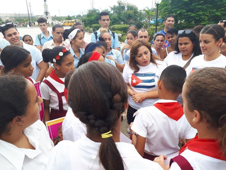 Los jóvenes cubanos ratifican apoyo al Gobierno