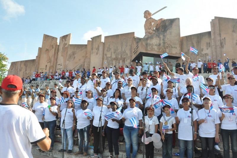 Los de la salud encabezaran el desfile del 1ro de mayo en Las Tunas