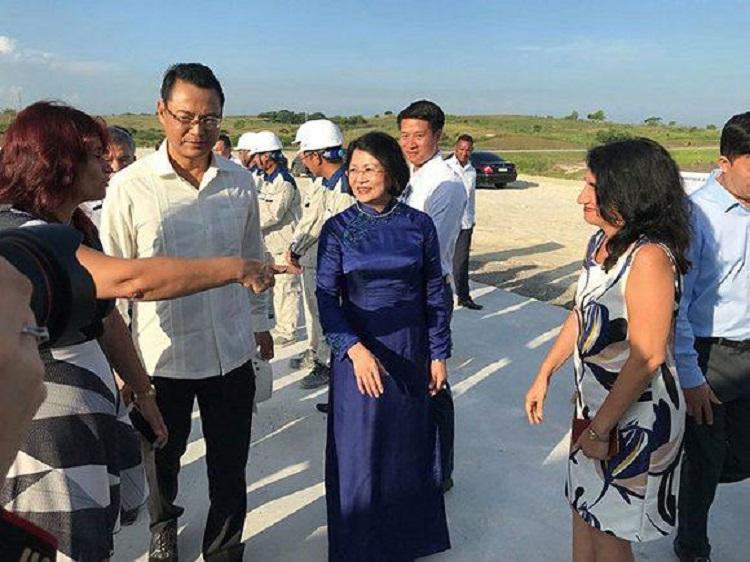 Salvador Valdés Mesa sostiene conversaciones con la vicepresidenta de Vietnam
