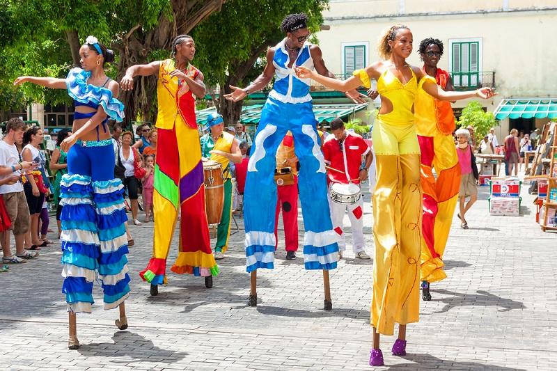 Fiestas populares cubanas; diversidad creativa