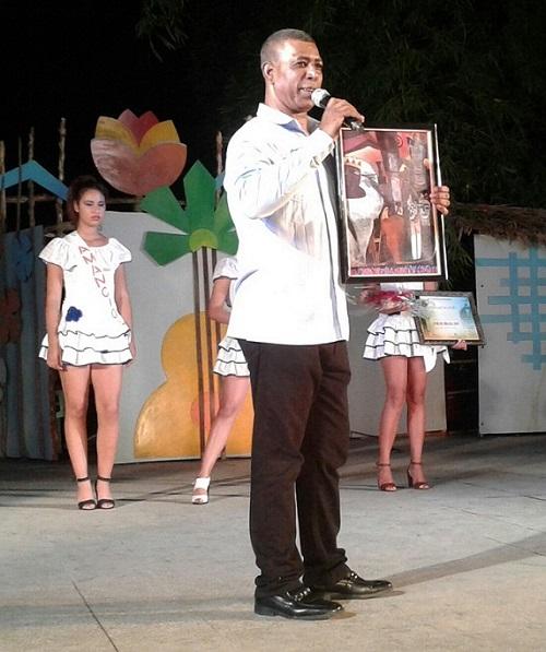 Reconocen al repentista Emiliano Sardiñas por sus 30 años de vida artística