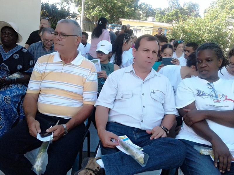 Visitan Pastores por la Paz institución educativa de Cienfuegos