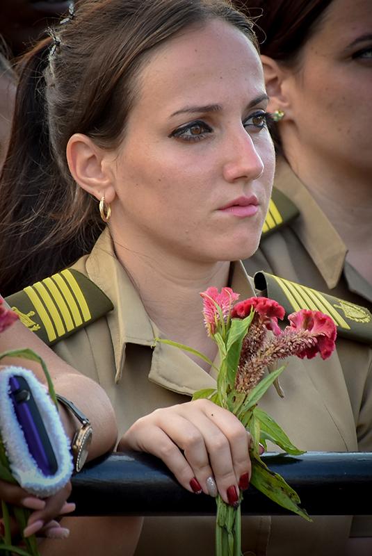Multitudinaria peregrinación en La Habana rindió homenaje a Camilo Cienfuegos