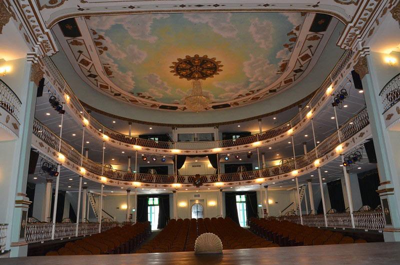 El teatro de las cien puertas: vivir el arte en La Habana Vieja